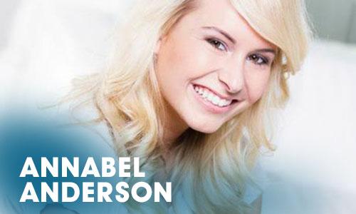 Die Schauspielerin Annabel Anderson begann ihre Karriere als Schauspielerin mit einer Ausbildung im Artrium.