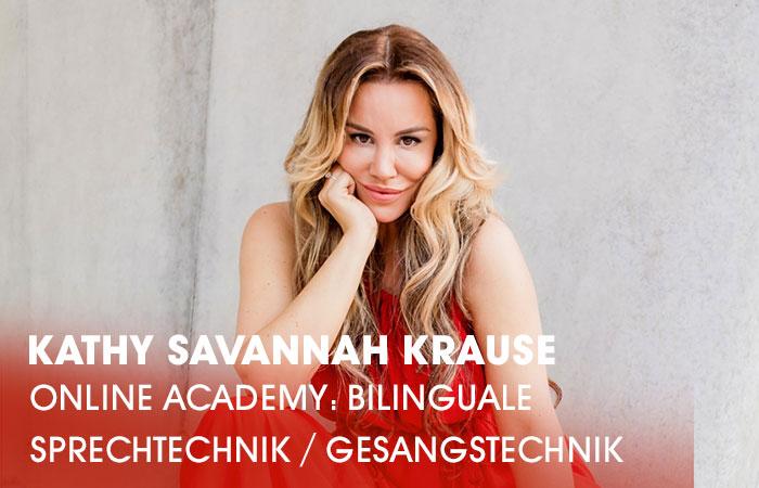 Die Dozentin Kathy Savannah Krause lehrt an der Artrium Schauspielschule Hamburg das Fach Bilinguale Sprechtechnik / Gesangstechnik