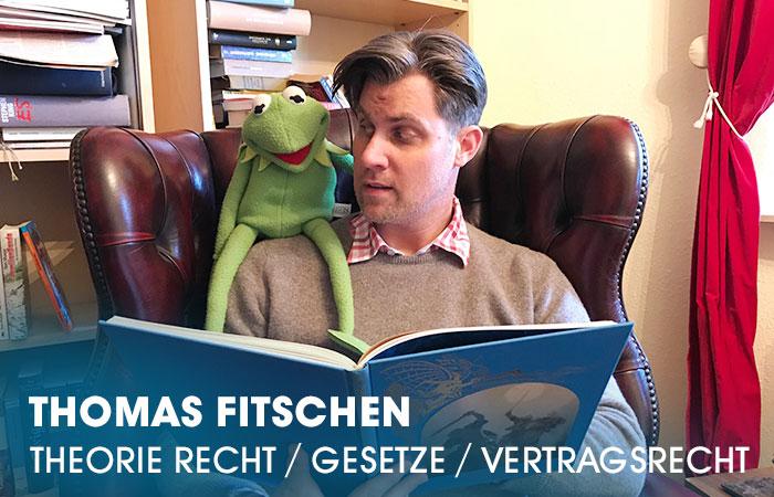 Der Dozent Thomas Fitschen lehrt an der Artrium Schauspielschule Hamburg das Fach Theorie Recht / Gesetzesgrundlagen / Vertragsrecht